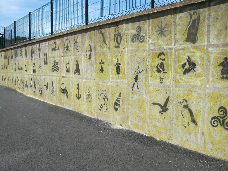 Une Fresque Murale Au Pochoir E Styves Collège Saint Yves Tréguier